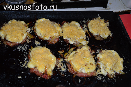 myaso-po-frantsuzski-s-kartofelem