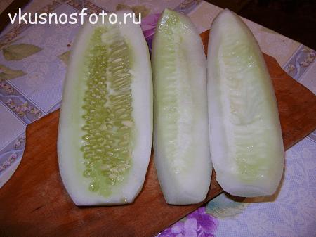 salat-na-zimu-ogurtsyi-retsept