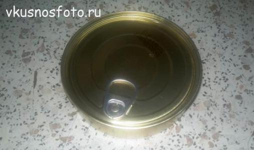salat-iz-sayryi-konservirovannoy