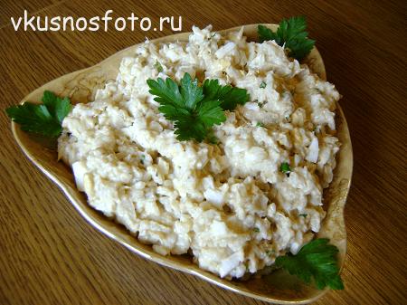 Salat-s-konservami-i-suharikami