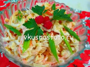 salat-s-omletom-i-kuritsey