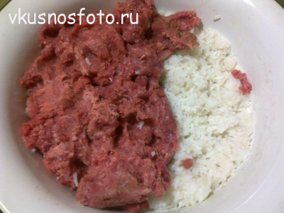 перец фаршированный мясом и рисом