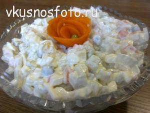 вкусный салат из кальмаров