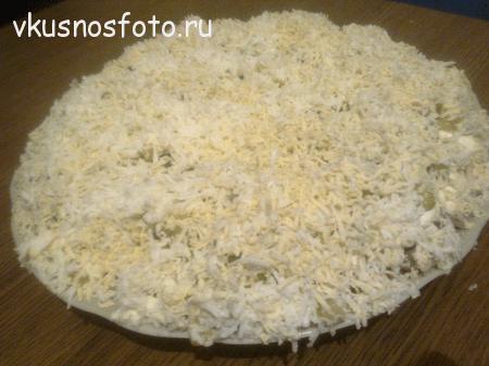 sloenyiy-salat-s-kopchenoy-kuritsey
