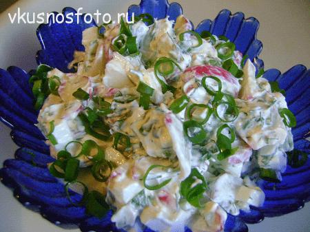 Салат с редиской и яйцом