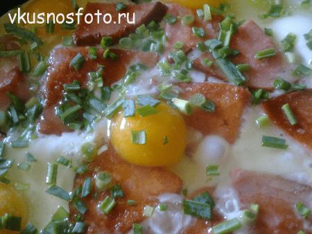 yaichnitsa-s-kolbasoy