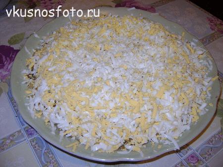 sloyonyiy-salat-s-pechenyu