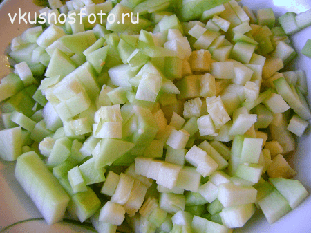 Так же поступаем и с кабачками.  retsept-salata-ris-s-ovoshhami-na-zimu