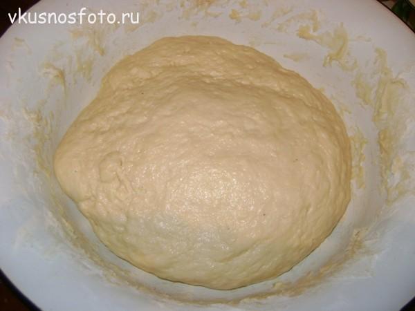Bulochki-s-koritsey-iz-drozhzhevogo-testa