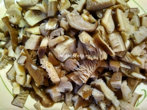Фасоль тушеная с грибами