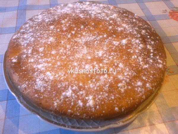 Пирог с консервированными грушами.