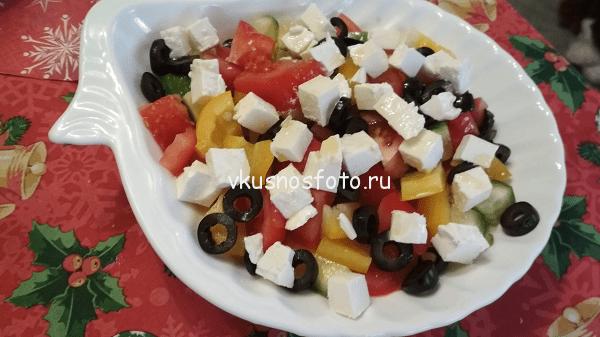 Салат греческий с фетой